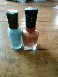 Nail palish  Little Britain, K0M 2C0