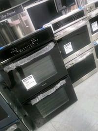 Black and stainless wall oven Dearborn, 48126