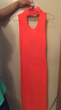 fitted dress with tag size small  orange red color  Opelousas, 70570