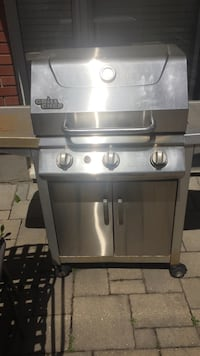 Stainless steel gas grill with gas grill Montréal, H1P 1R5