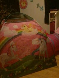 New girls play tent! Must go