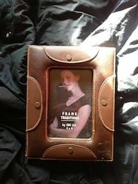 brown Frame Traditions leather photo frame Braidwood