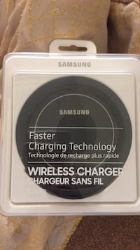 black Samsung wireless charging pad Toronto, M2J 3C8