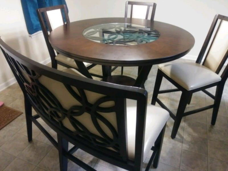 Tall dining table w/bench & 3 chairs 68fcbb5f-9a8a-4f7e-8fab-0f165d69ea39