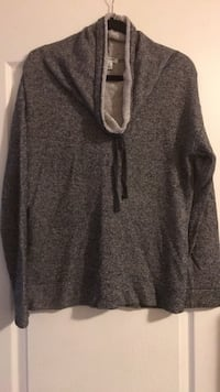 Woman's old navy size med sweater Barrie, L4N 9P8