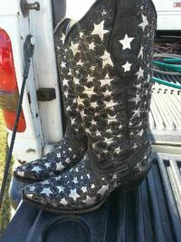 Ladies size 6 Corral Boots