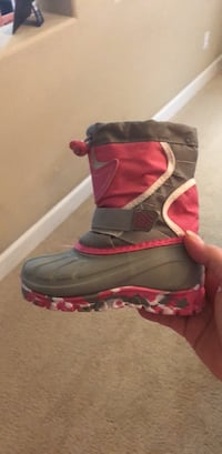 toddler snow boots Oakley, 94561