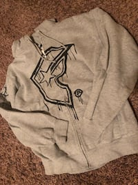 gray and black pullover hoodie 2285 mi