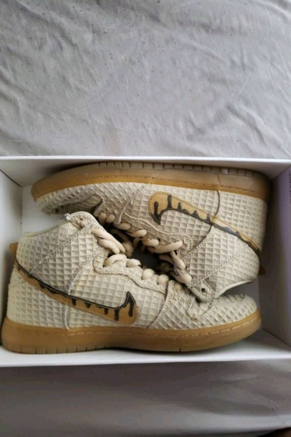 check out 1a8af f829d Nike sb dunks chicken and waffles