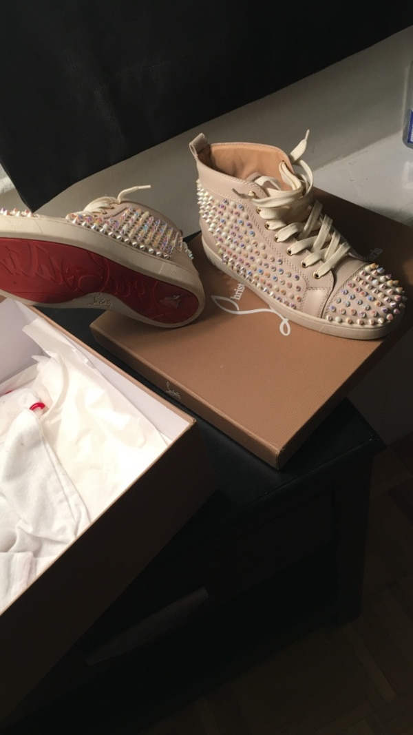 quality design 105c4 c5b9d Size 8 'Red Bottom' Christian Louboutin Sneakers (cream)
