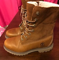 Pair of brown leather work boots Burnaby, V5H 1M2