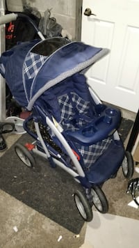 baby's blue and white stroller Laval