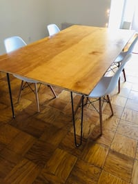 REDUCED - Wood top dining table Washington, 20008