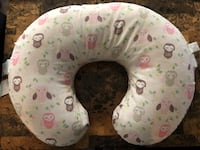 white and pink nursing pillow Fredericksburg, 22408