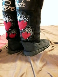 Boots love/hate size 6.5 Horn Lake, 38637