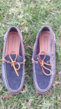 Men's blue leather and suede shoes size 9 Visalia, 93277