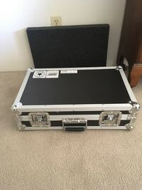 Stage mic carry case  Calgary, T2G 0G4