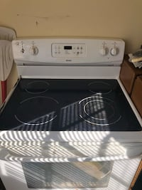 Oven for sale  Westminster, 21158