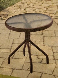 Outdoor end table Cobble Hill, V0R 1L2