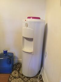 Eletric water filter cold and hot , with 3 , 3 gallos of water