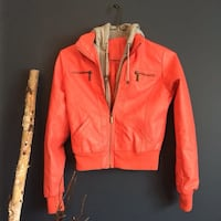NEW RED JACKET SMALL Montréal, H1K 2X9