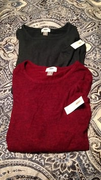 Set of two brand new womans Xs old navy tops. Super soft red and forest green. I paid 20 for each. Great deal great gift. Look for more on my page Islip, 11751