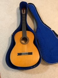 brown classical guitar with case Alexandria, 22315