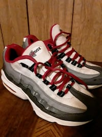 Nike air max  size 6.5 y Somerville, 02143