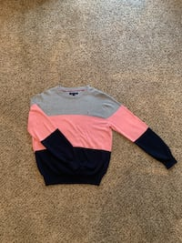 Men's Tommy Hilfiger sweater. Size Medium and only been worn once. Fort Worth, 76132