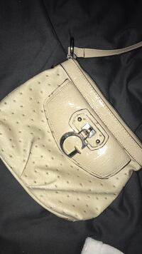 Guess purse London, N6K 2W4