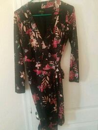 Macy's wrap dress. Worn once. Must see El Centro, 92243