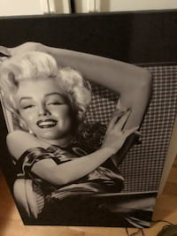 Marilyn Monroe photo with black wooden frame Lachine, H8S 1Z3