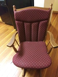 brown and white polka dot padded armchair Fitchburg, 01420