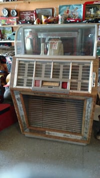 Vintage Seeburg B jukebox Akron, 44319