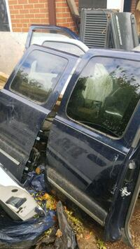Back doors extended cab 01-06 selling front passenger door shell $25