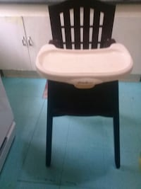 baby's black and white high chair Queens, 11103