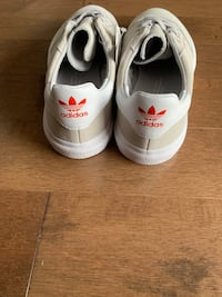 Adidas sneakers size 4  Laval, H7X 1H4