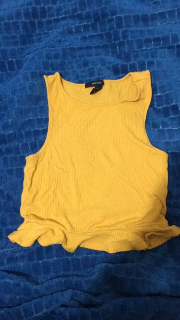 df02d16049a36c Used Yellow forever 21 crop top for sale in Kitchener - letgo