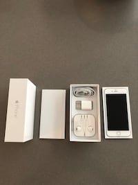 white iPhone 4s with box Mississauga, L5M