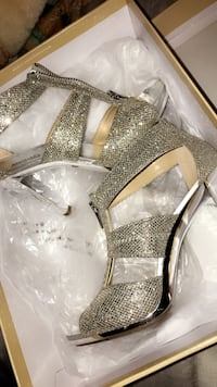 Michael kors high heel Kitchener, N2R 0L8