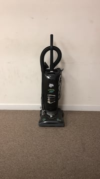 black and gray upright vacuum cleaner Augusta, 30907
