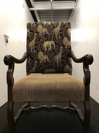 Armchair- Large, solid upholstered armchair Los Angeles, 90039