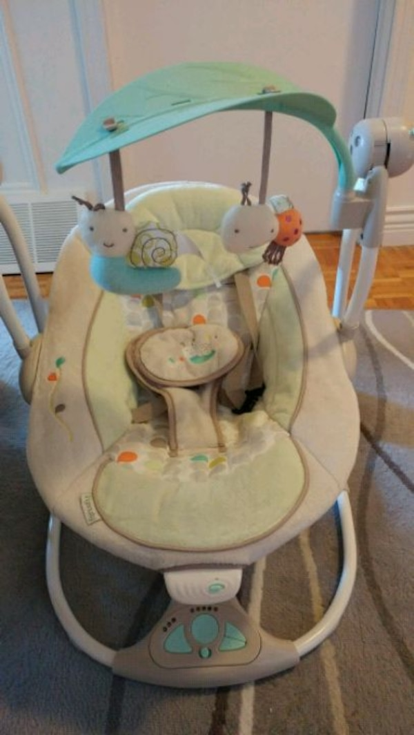 baby's white and gray swing chair d1fa5154-8328-421d-87d5-3bfab4177e4e