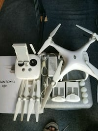 white quadcopter with remote control Port St. Lucie, 34953