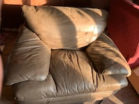brown leather 2-seat sofa Kitchener, N2P 1A2