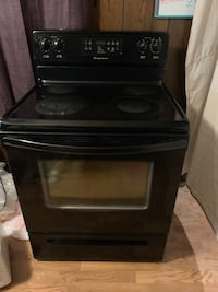 Electric stove, all black, self cleaning Redford, 48239