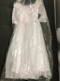 Flower girl/occasion dress. Calgary, T2E 5W6