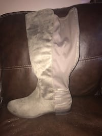Brand new never worn ladies 13 boots