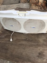 White lg window type air conditioner Lanham, 20706