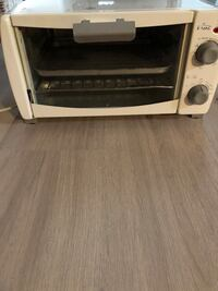 Toaster oven  Mississauga, L5H 1G6